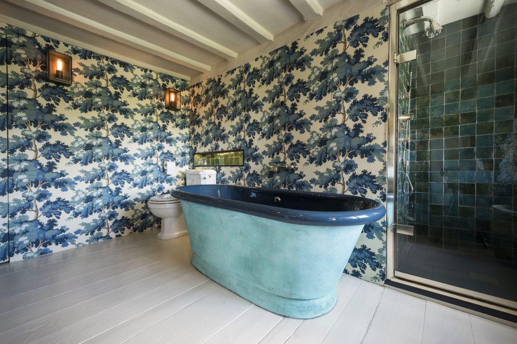 Verdigris Aequs Bath with Enamel Interior
