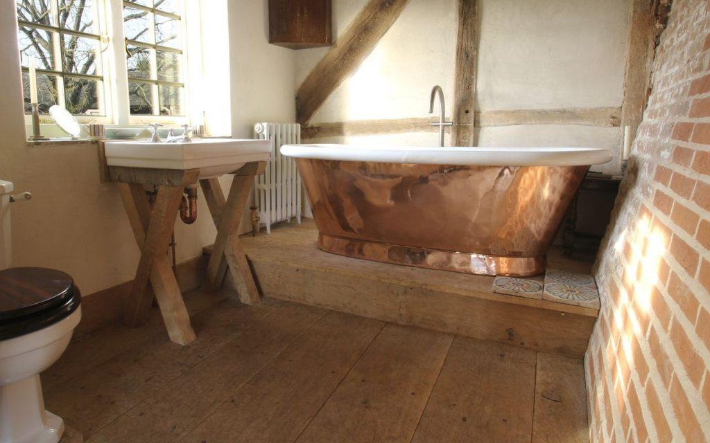 Aequs Bath - William Holland - Freestanding Roll Top Bathtub