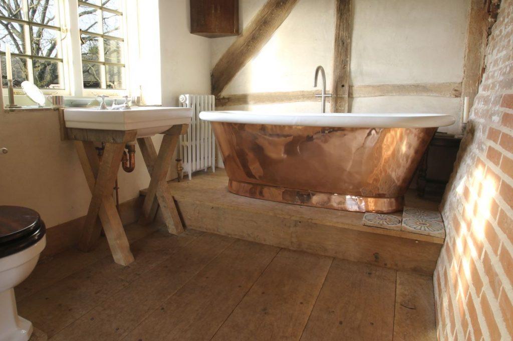 Copper Aequs Bath with Enamel Interior