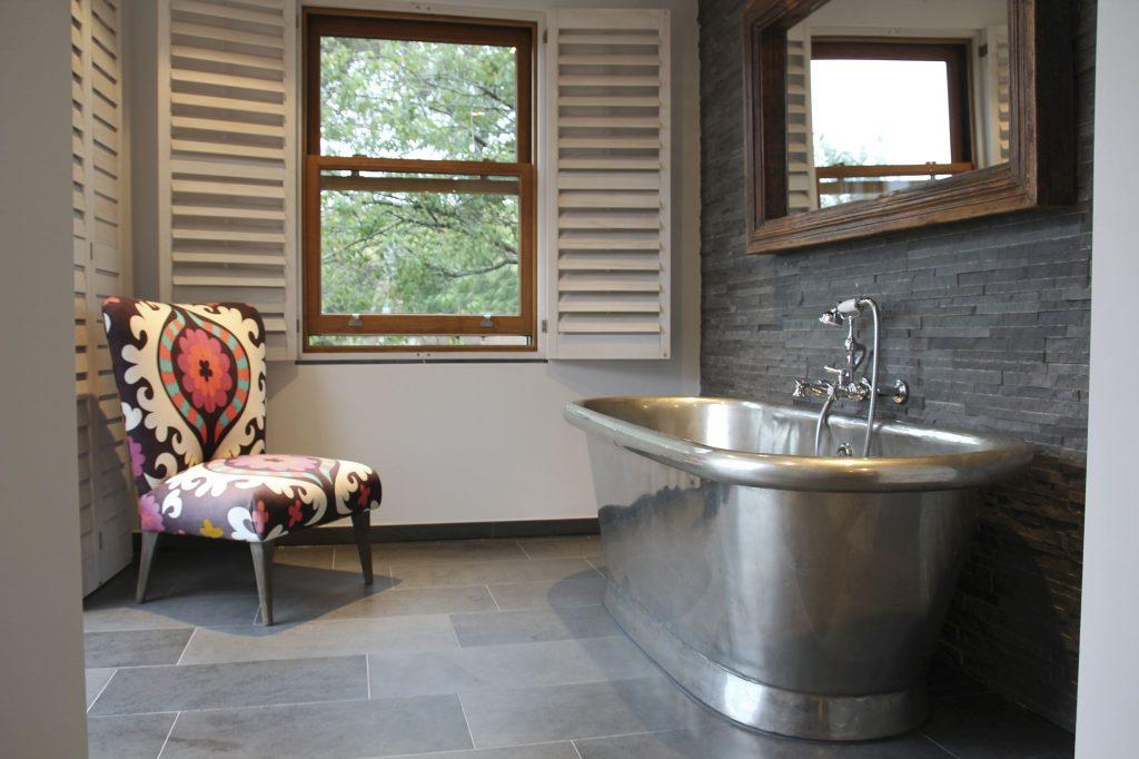 Tin Aequs with Tin Interior