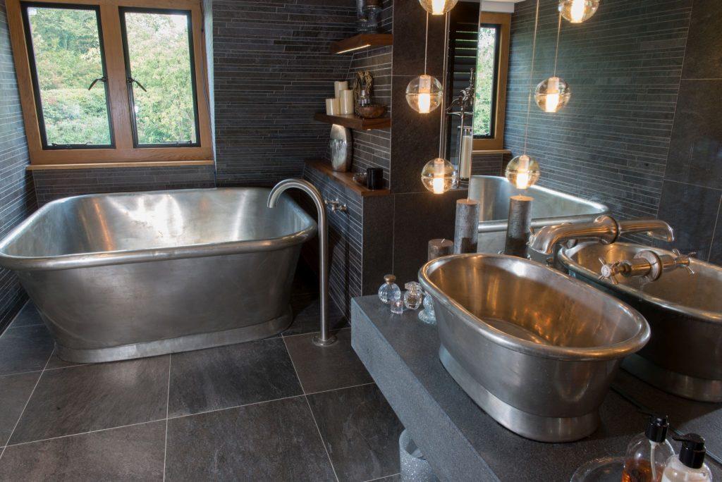 Bon Tin Alvius Bath With Tin Interior
