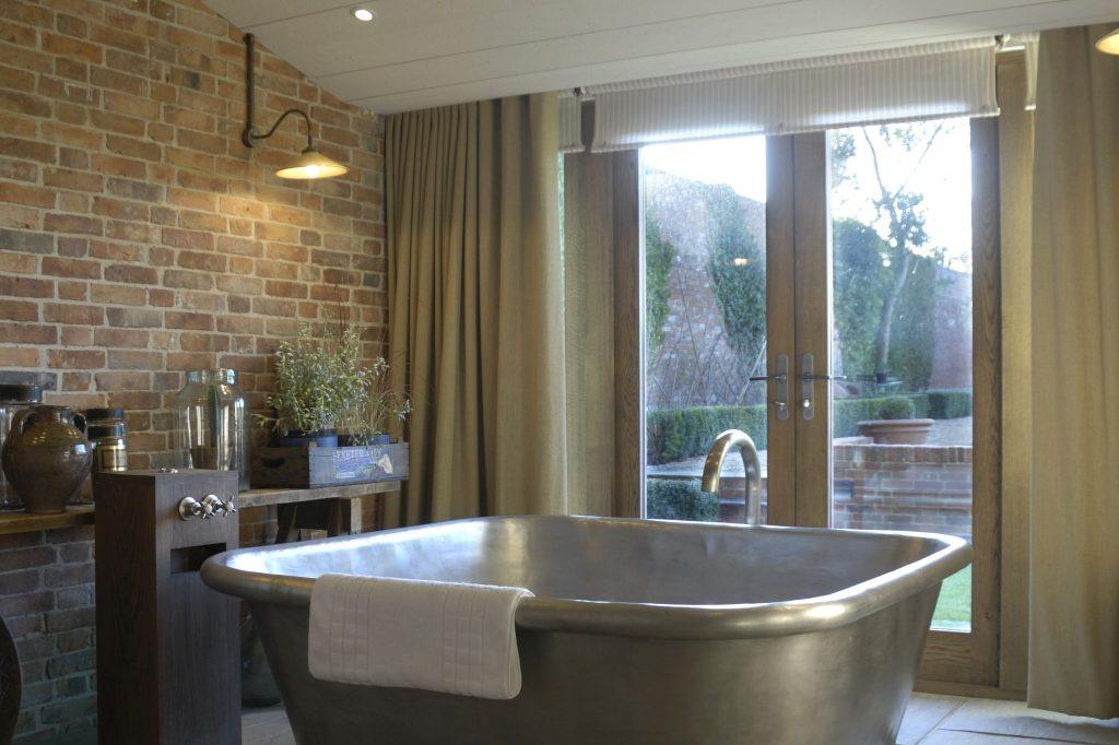 Tin Alvius Bath with Tin Interior