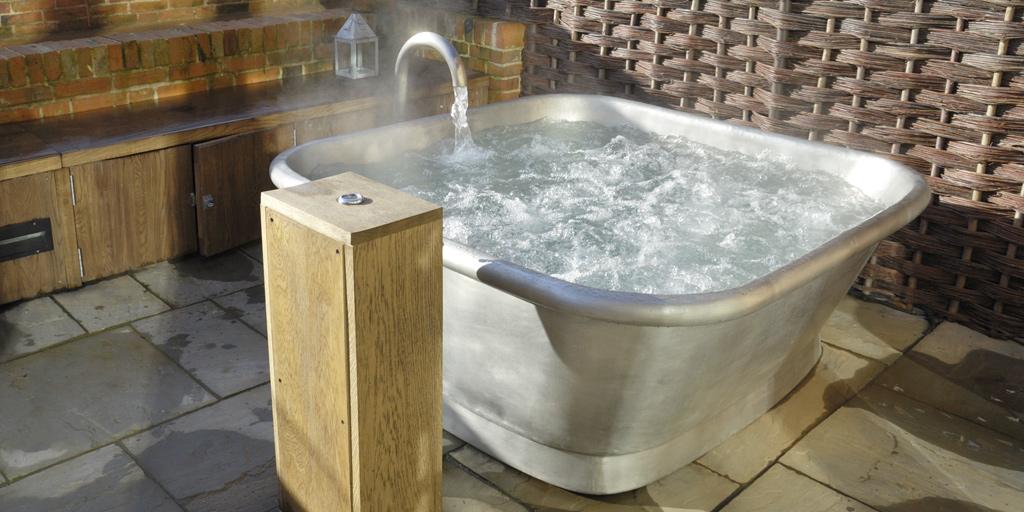 Tin roll top alvius bath tub