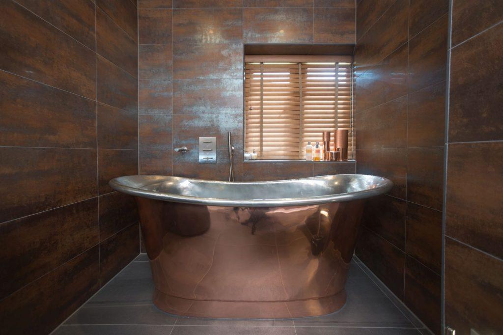 Copper Bateau Bath with Tin Interior