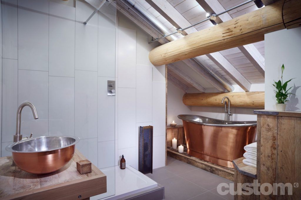 Brushed Copper Bateau Bath with Tin Interior