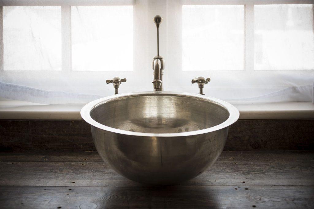 Tin Gyrus Basin with Tin Interior