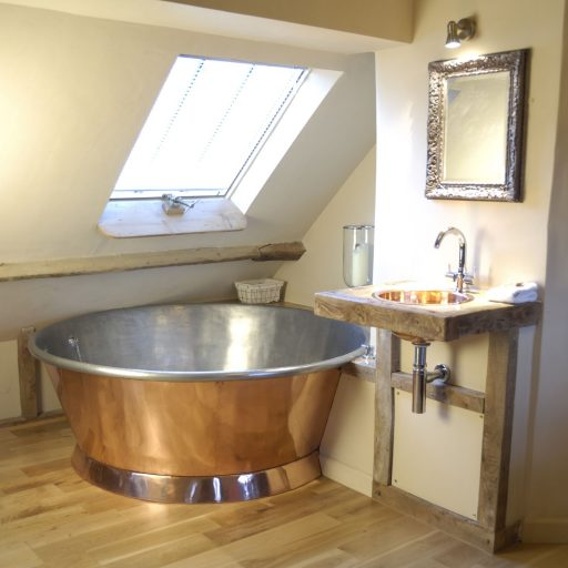 Copper Rotundus Bath with Tin Interior