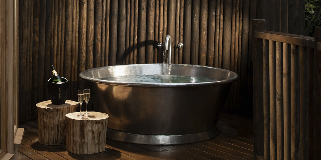 Tin Rotundus Hand Made Bath
