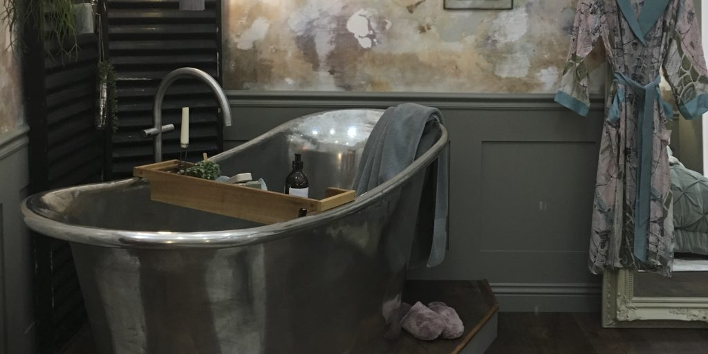 William Holland handcrafted Tin Bateau Bath